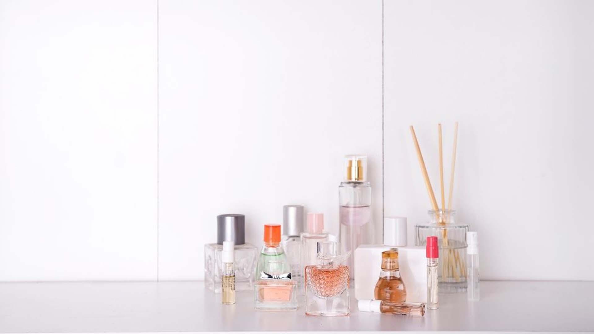 Profumi equivalenti: le imitazioni più simili alle fragranze originali e i più venduti di questi ultimi anni